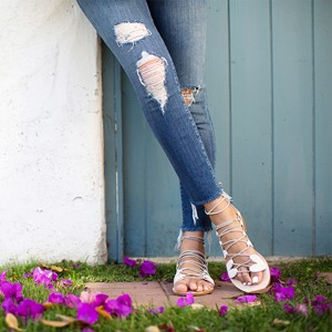 distressed_jeans_songofstyle