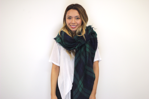 4-ways-to-wear-a-blanket scarf