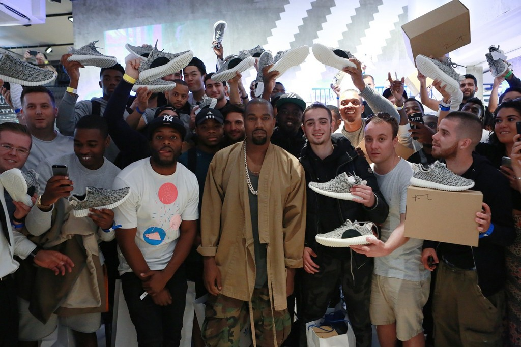 yeezy-season-look-bak-kanye-west-footwear-feats-110